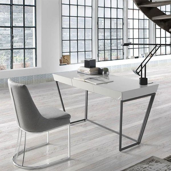 Mesa escritorio lacado blanco estructura acero negro