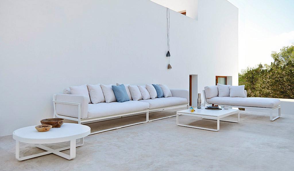 Apuesta por los sofás exteriores