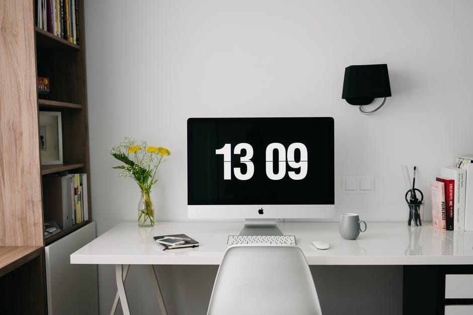 ¿Cómo crear una zona de trabajo en casa?