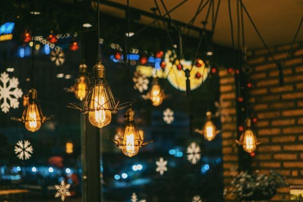 En Navidad, obsequia con lámparas de diseño