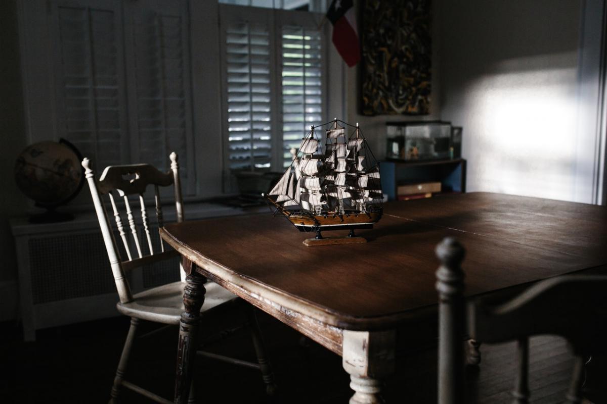 Apuesta por muebles de madera natural